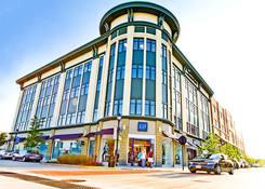 Bayshore Town Center: